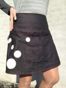 nederdel med hvide prikker